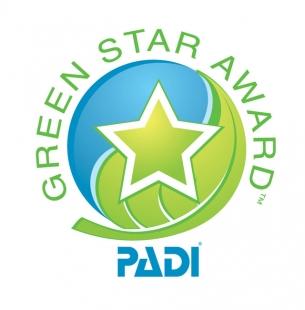 Victoria Beachcomber's dive centre receives PADI Green Star Award